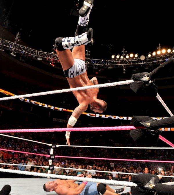 Night Of Champions 2012: CM Punk bat John Cena
