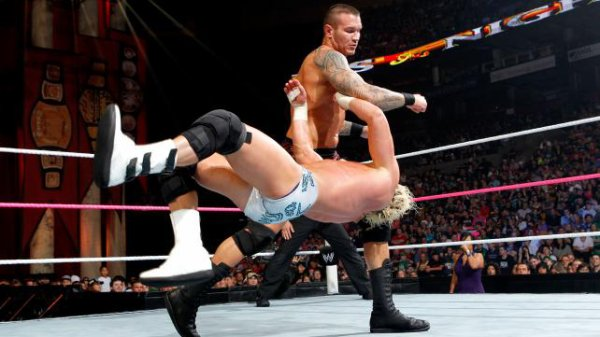 Night Of Champions 2012:  Randy Orton bat Dolph Ziggler