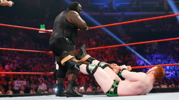 Extreme Rules 2013: Sheamus bat Mark Henry
