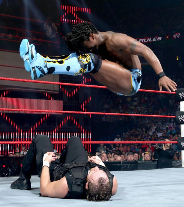 Extreme Rules 2013: Dean Ambrose bat Kofi Kingston