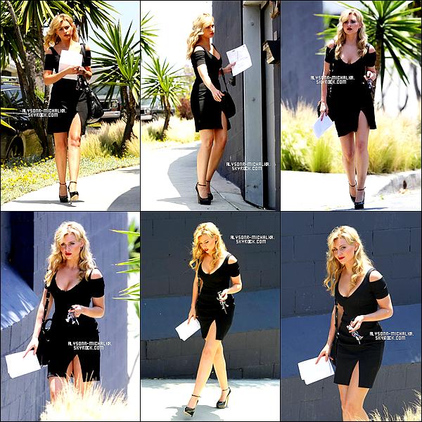 """#~ Aly se rendait a une audition pour le film intitulé """" The Gangster Squad """" , le 19 Mai.#~ Voici notre belle blondie faisant quelques photos en robe pour """"Jewel Mint Models"""".##"""