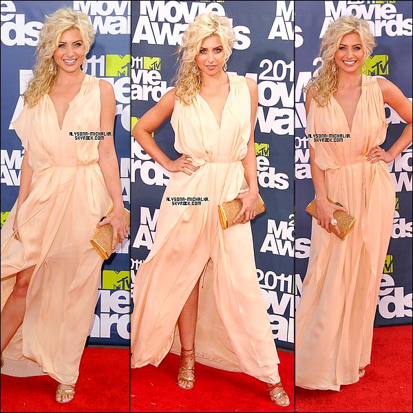 #Alyson (plus que ravissante) était présente aux MTV Movie Awards, à Los Angeles , le 05/06/11. (Video)Aly etait manifique dans cette robe , elle lui allé à ravire !. Son make-up reste simple et assez jolie. C'est un TOP! .#