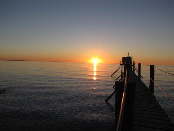 Pêcherie face au camping vue sur la baie, paradis des pêcheurs!
