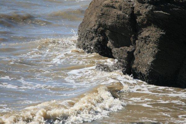 Mer sur rocher