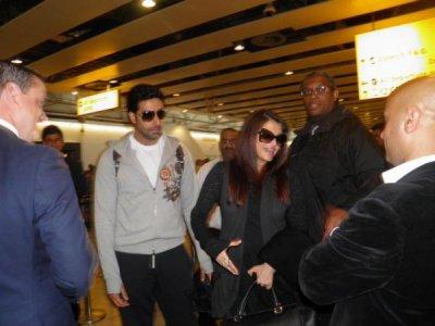 Aishwarya and Abhishek spotted in London