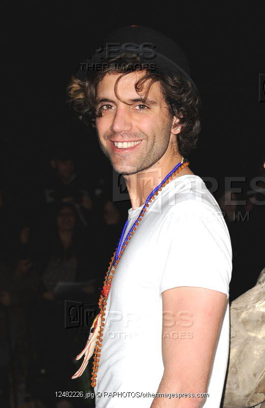 4eme suite des photos de Mika !