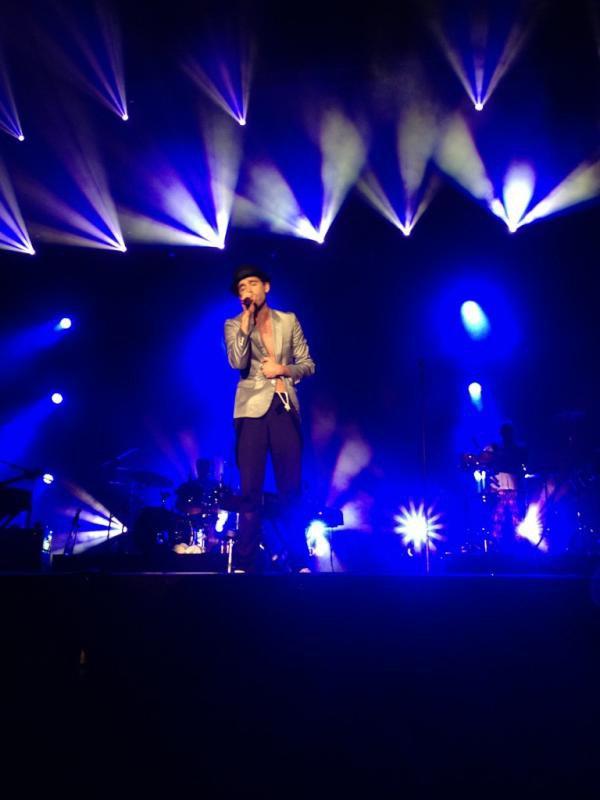 """Encore une nouvelle chanson """" Lola """" + photos du concert d'hier"""