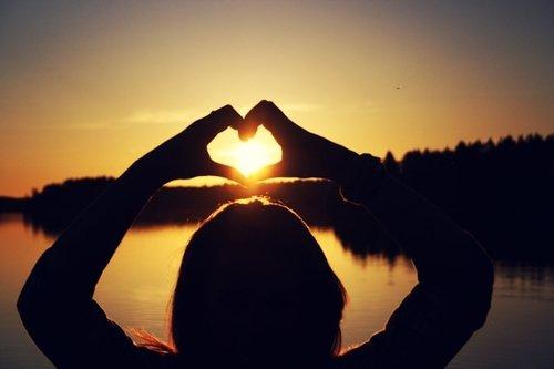 Mais si tu avais su à quel point je t'aimais, peut être n'aurai-tu jamais douter. Je serai à tes côtés.. (2011)