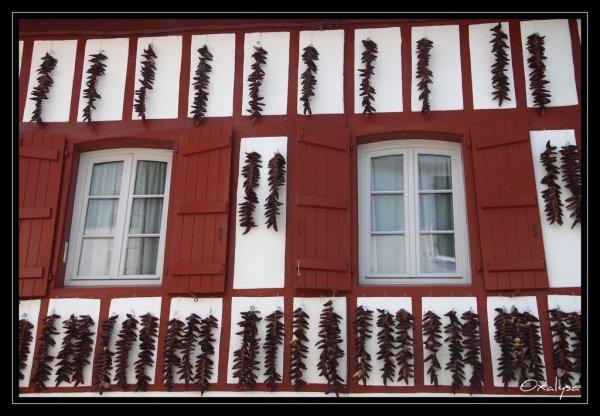 Rouge Basque .... pour mettre un peu de piments dans la vie !