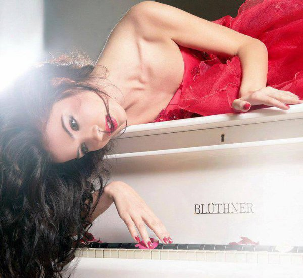 « Un piano doit être un ami, c'est-à-dire un confident qui essuie nos rages. »  Félix Leclerc