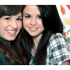 Photo de Gomez-and-Lovato-x3