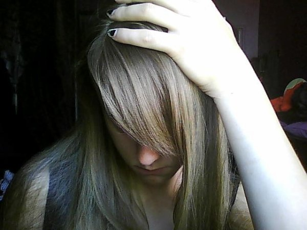 Je suis ici seul dans mon antre personne sur qui veiller personne pour parler personne pour me consoler je suis ici perdu a tous jamais