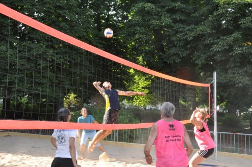 1er beach-volley à Dole début de l'été 2010 animé par Christophe