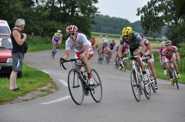 Benjamin Billot (VC Dole) conserve son maillot blanc