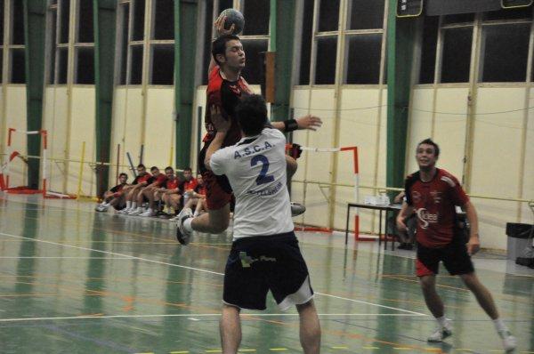Handball: seules les dolosies passent