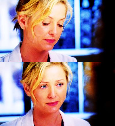 C'est vrai que j'ai du mal. Du mal à faire le deuil de tout ce que nous n'avons pas été, de tout ce qu'on aurait pu être.