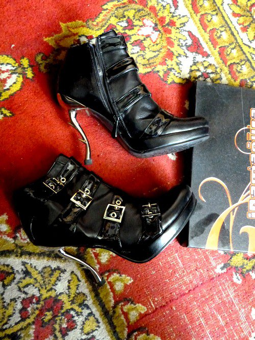 Bottines Inamagura, talon metal (Goth Punk) P.39