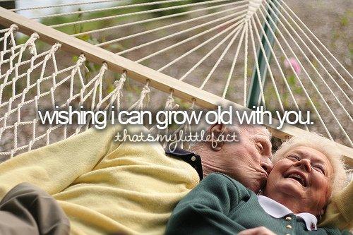 « Personne ne peut faire pour les enfants ce que font les grands-parents. Ceux-ci répandent une espèce de poudre d'étoiles sur leurs vies. ♥ » - Alex Haley -