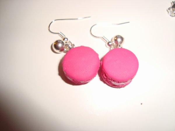 Boucle d'oreille macaron rose