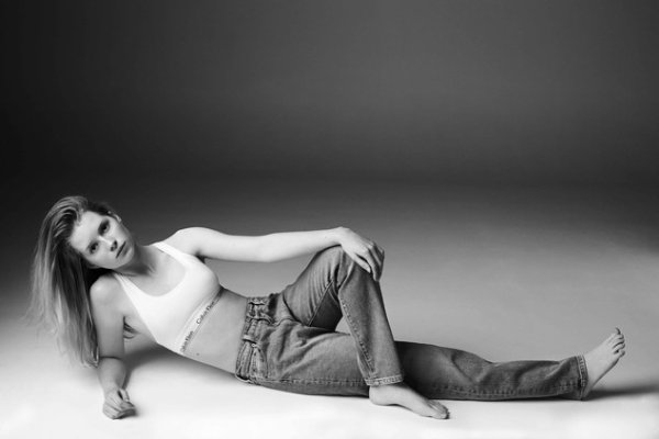 Lottie suit les traces de sa grande s½ur, Kate Moss, et pose pour Calvin Klein