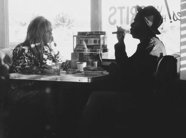 Beyoncé et Jay Z profitent d'une soirée romantique à Paris pour fêter la fin de leur tournée