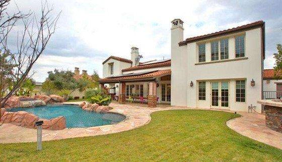 À 17ans, Kylie Jenner se paie une maison à 2,7 millions de dollars : découvrez-la !