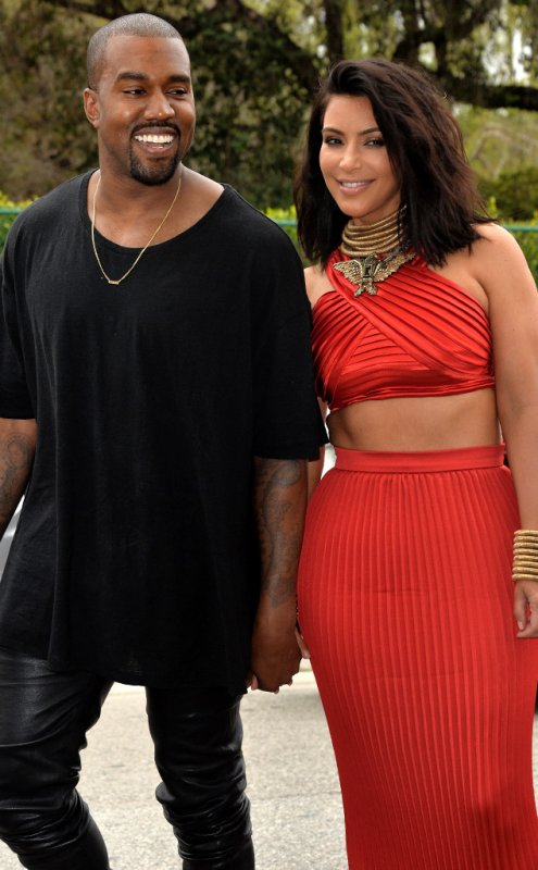 """Kim Kardashian dit que ce n'est pas """"aussi facile"""" de retomber enceinte : """"On y travaille"""""""