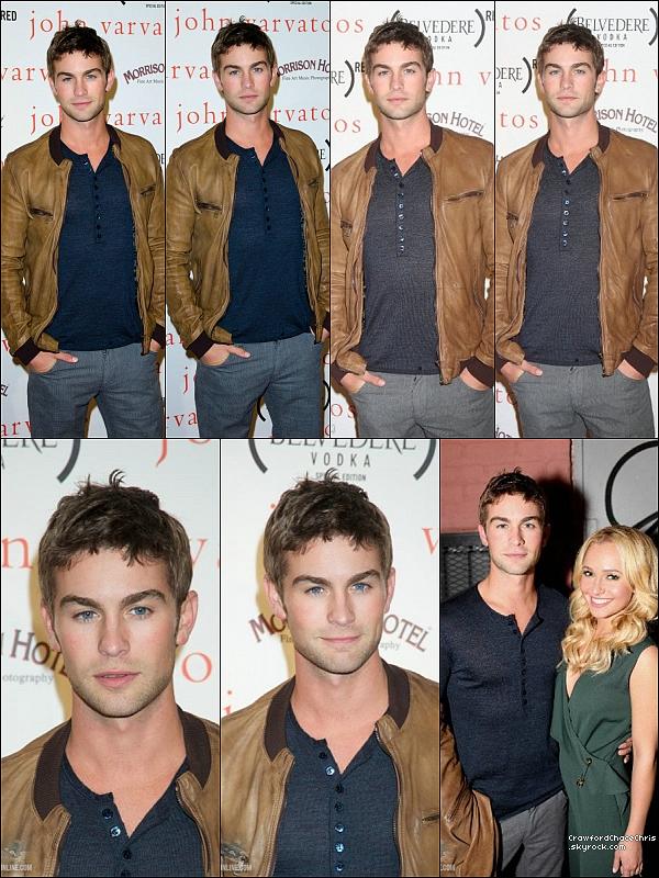 * 08/09/2011 - A l'occasion de la Fashion out night (nuit où les magasins sont ouverts) Chace était au magasin de John Verano.  *