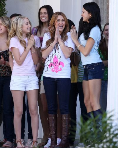 • SO UNDERCOVER : LE TOURNAGE REPREND ! •
