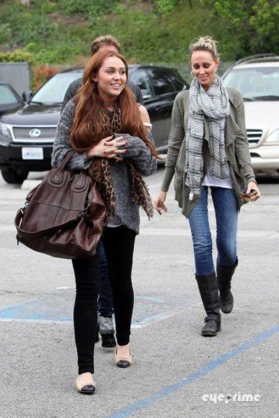 Miley Cyrus : Sa famille réconciliée ! (photos)