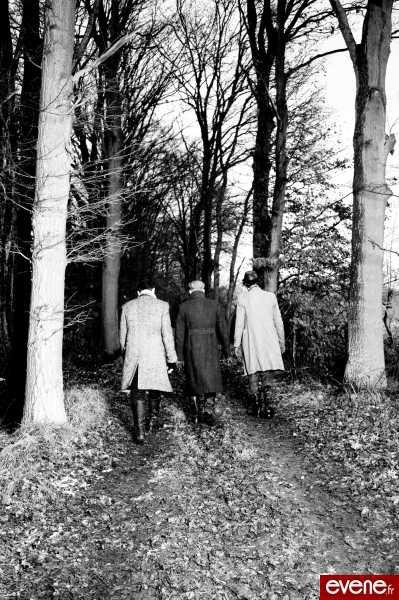 > J'étais au milieu de la forêt, il y avait deuxchemins devant moi, j'ai pris celui qui était le moinsemprunté, et là, ma vie a commencé.