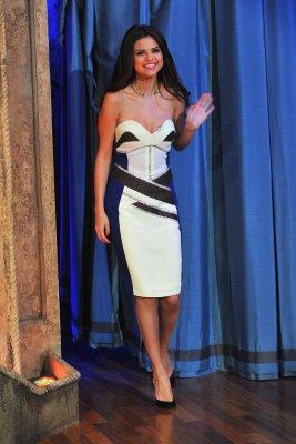20/03/13 - Après son passage remarqué chez David Letterman, Selena s'est rendue au Jimmy Fallon Show pour une nouvelle interview où elle a également parlé de « Spring Breakers », James Franco et fait un duo improvisé avec Jimmy Fallon, déguisés en Super Mario et princesse Peach !