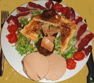 Assiette compos e festive ces le petit cuistot de la - Decoration assiette de foie gras photo ...