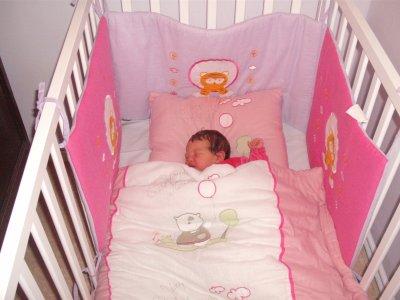 emilie dans son lit