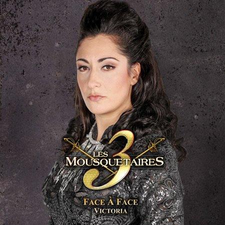 """Les 3 Mousquetaires : clip de """"Face à face"""" par Victoria"""