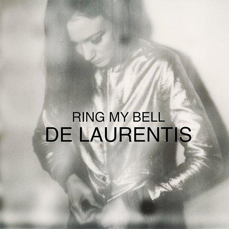 """Clip de """"Ring My Bell"""" par De Laurentis"""