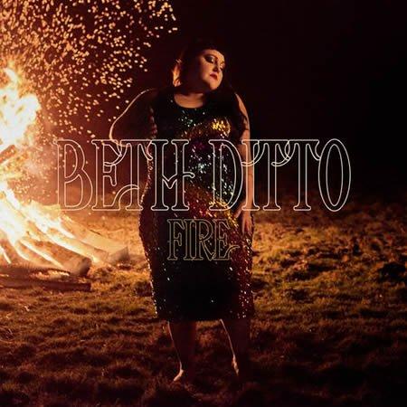 """""""Fire"""" le nouveau single de Beth Ditto"""
