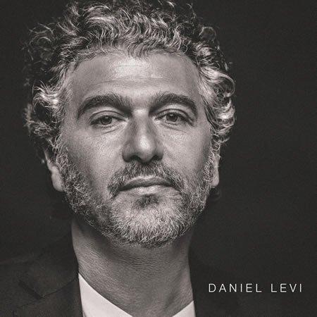 """Clip """"Un jour se lève"""" de Daniel Lévi"""