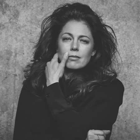 """Isabelle Boulay lève le voile sur des extraits de l'album """"En vérité"""""""