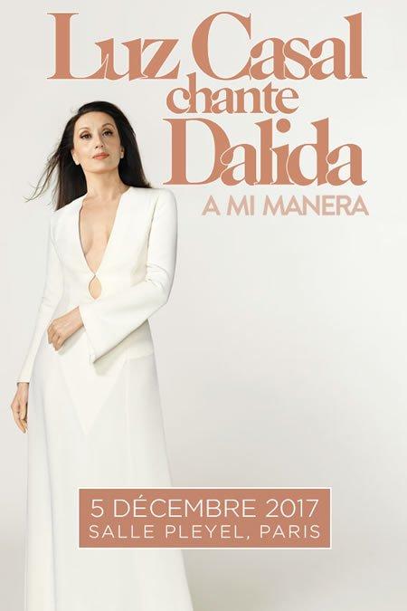Luz Casal en concert à la Salle Pleyel à Paris le 5 décembre 2017