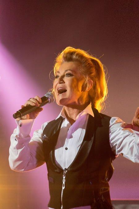 """Sortie le 27 avril de """"Sheila Live au Casino de Paris"""""""
