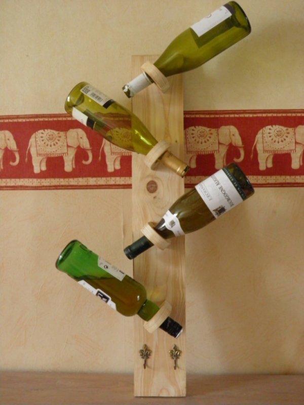 support mural pour bouteilles l 39 atelier de gepetto. Black Bedroom Furniture Sets. Home Design Ideas