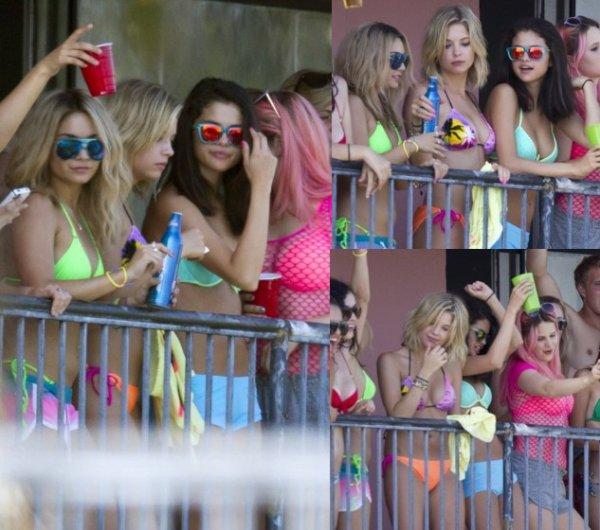 Selena a été aperçue les 21, 22 et 23 Mars sur le set de Spring Breakers