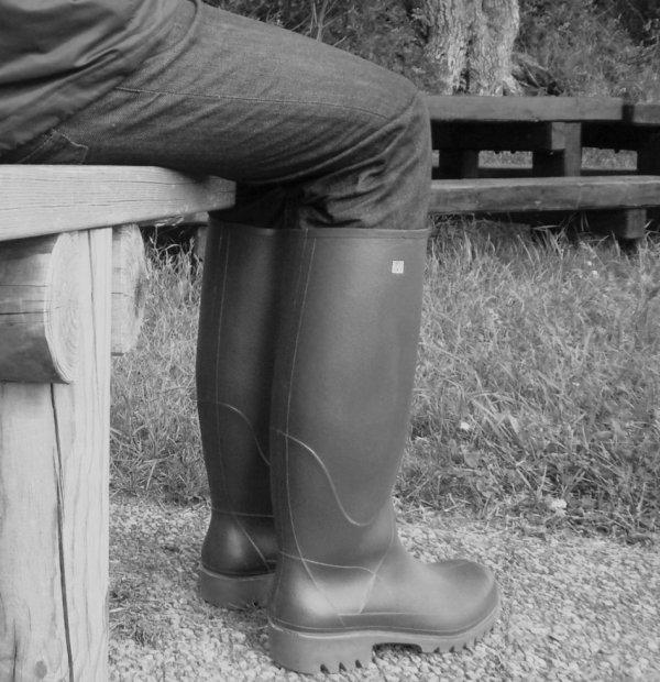 les bottes en noir et blanc
