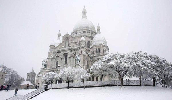 Paris Sous La Neige Au Fil Des Jours