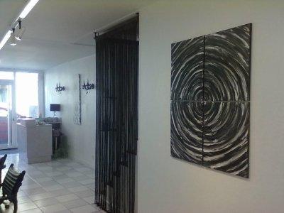 une de mes toiles dans un salon de coiffure