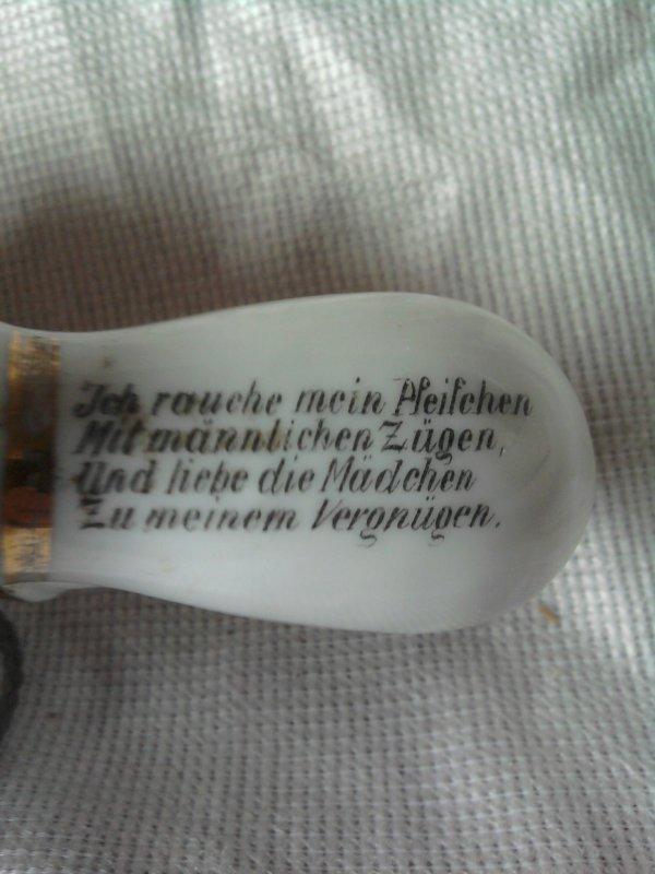 pipe allemande tradui   (Che fumeuh mein pipe à grands coups virils, et ch'aime les bedides vemmes pour mein plaisir.)