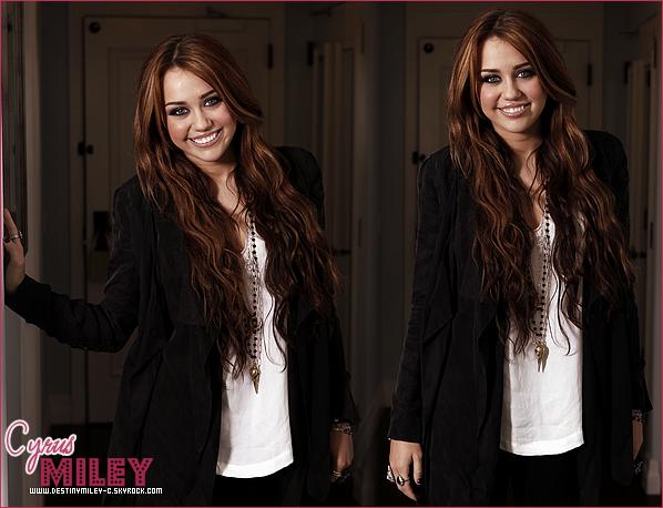 .Bienvenue sur DestinyMiley-C,Ta source pour suivre l'actualités de Miley Cyrus..