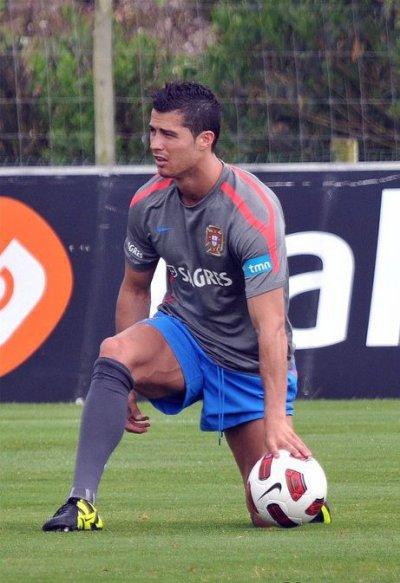 Cristiano a l'entrainement avec le Portugal