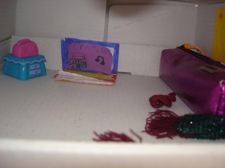 voila la maison de mes poupées ( 7 piéce )